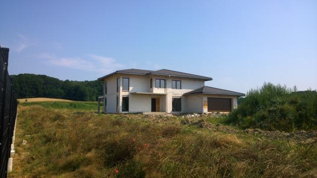 duzy dom jednorodzinny z rekuperacja